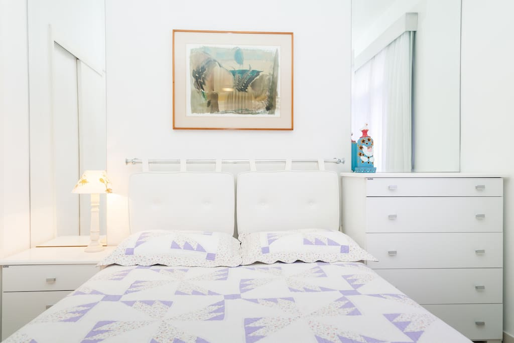 Quarto N°1   -   Bedroom #1