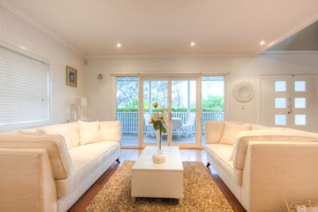 Glanymor Cottage Boutique Beach BnB - Casa