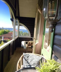 Central and charming woodhouse with seaview! - Villa