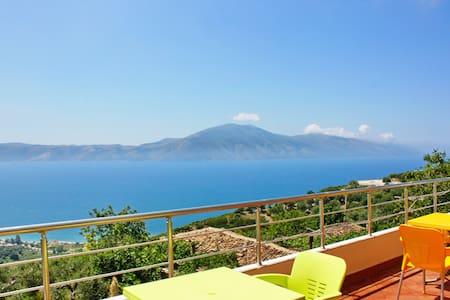 Villa sur colline au bord de la mer - Radhimë - Villa