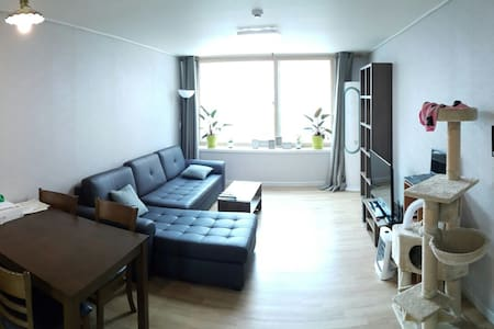 2 Floor Home (BBQ/Fire Pit) - Daejeon