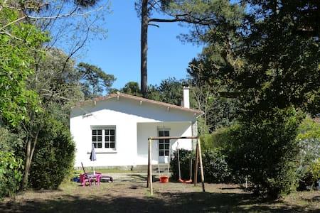 jolie villa, calme, plage et centre - Saint-Palais-sur-Mer - House