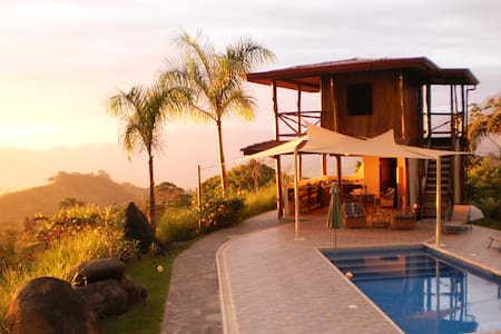 Dominical Mountain Retreat