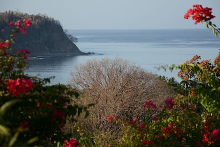 Samara, Casa Azul, close to the beach, fab. view - Konukevi