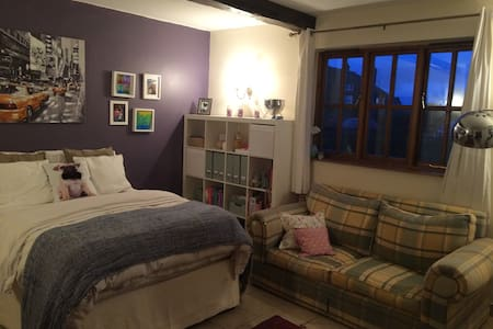 Large double rooms en-suite - House