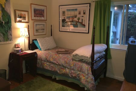 Mid-peninsula:San Mateo single room