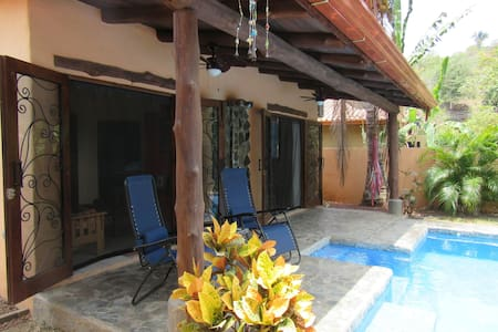 Charming Casita Near Jaco, CR - Puntarenas - Bungalow