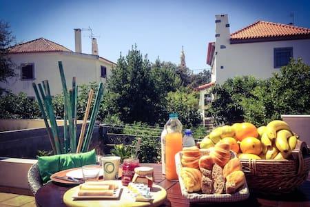 Fátima - Free - Breakfast 2 - Bed & Breakfast