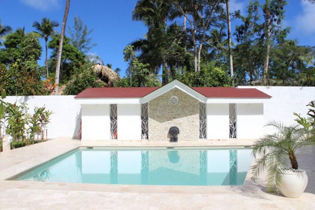 New Villa, 2 bdrs, 300 m from beach