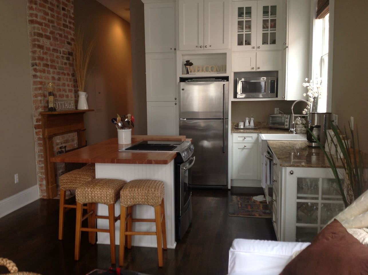 completely remodeled kitchen, great island with breakfast bar