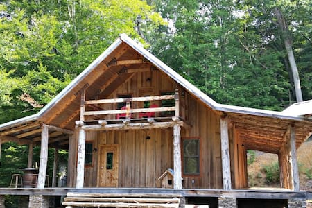 Nature Lover's Retreat on the River - Asheboro - Blockhütte
