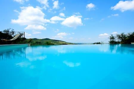 Brunello, the Italian Villa & pool - Paciano - Villa