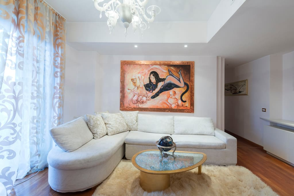 The walls are covered with genuine canvases of contemporary adeptness.