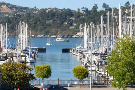 Central Sausalito Waterfront Apt - Lägenhet