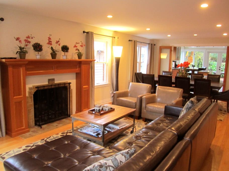 Large Luxury Lakeside Seattle Home Houses For Rent In Seattle
