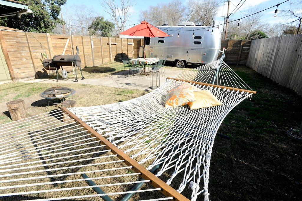 Enjoy the Austin weather in our hammock, start a wood fire, grill some burgers!