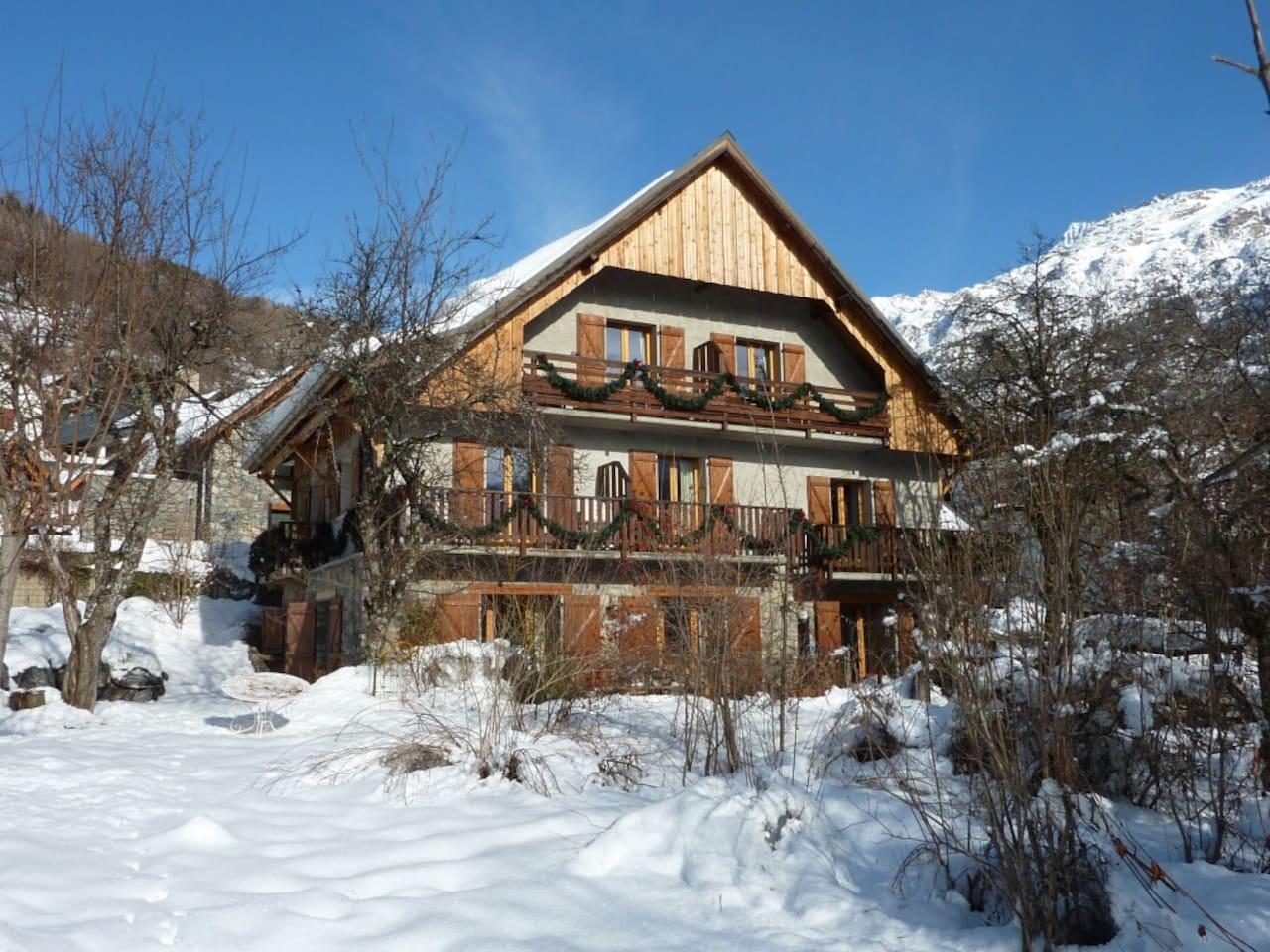 Chalet Solneige in winter