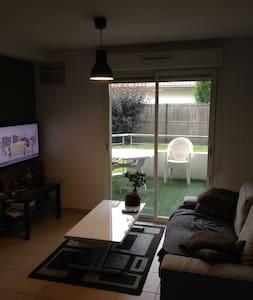 Appartement de 40m2 avec terrasse - Apartment