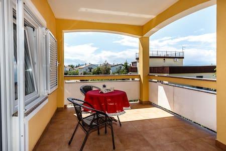 Sara Apartments,neu und modern ! - Malinska - Villa