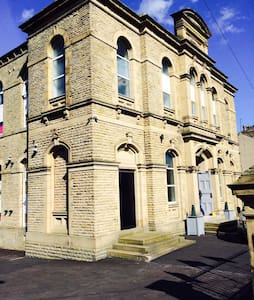 The Old Chapel - Huddersfield - Pis