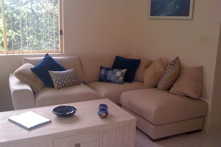 Dee Why 2 bed unit- stroll to beach - Dee Why - Apartment
