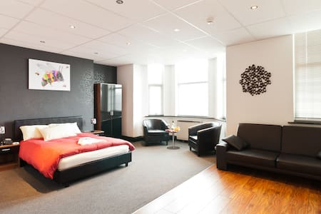 Manchester Centre Hotel Suite - Manchester - Bed & Breakfast