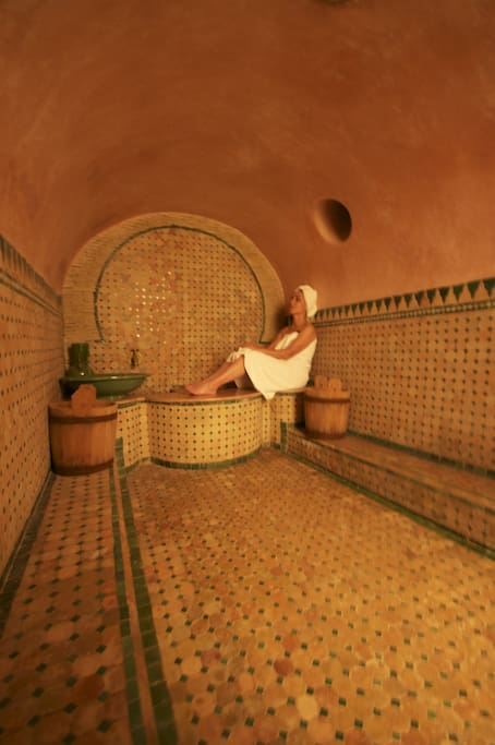 private hammam and bathroom