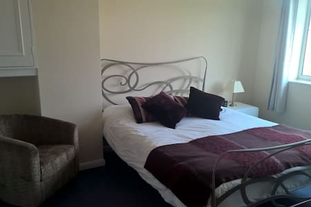 Room Available on the Outskirts of Cambridge. - Bottisham