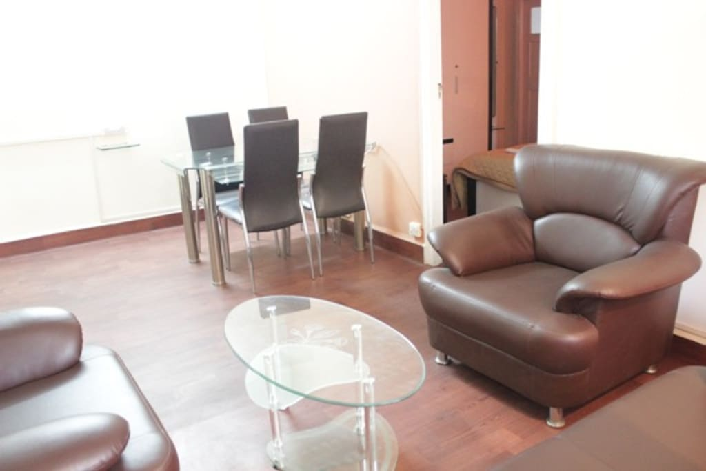 Neat & Clean Serviced Room in Malad