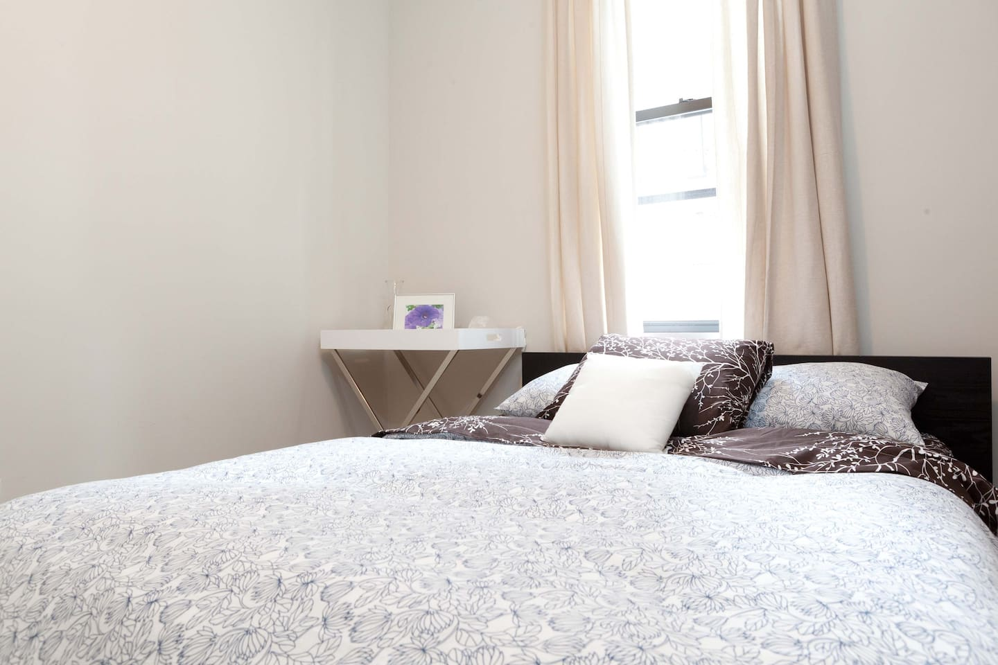 Comfortable Modern Room in Bed-Stuy