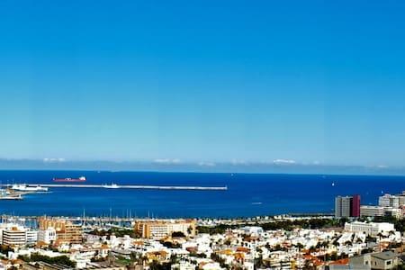 beautifull room with great views - Palmas de Gran Canaria - Bed & Breakfast