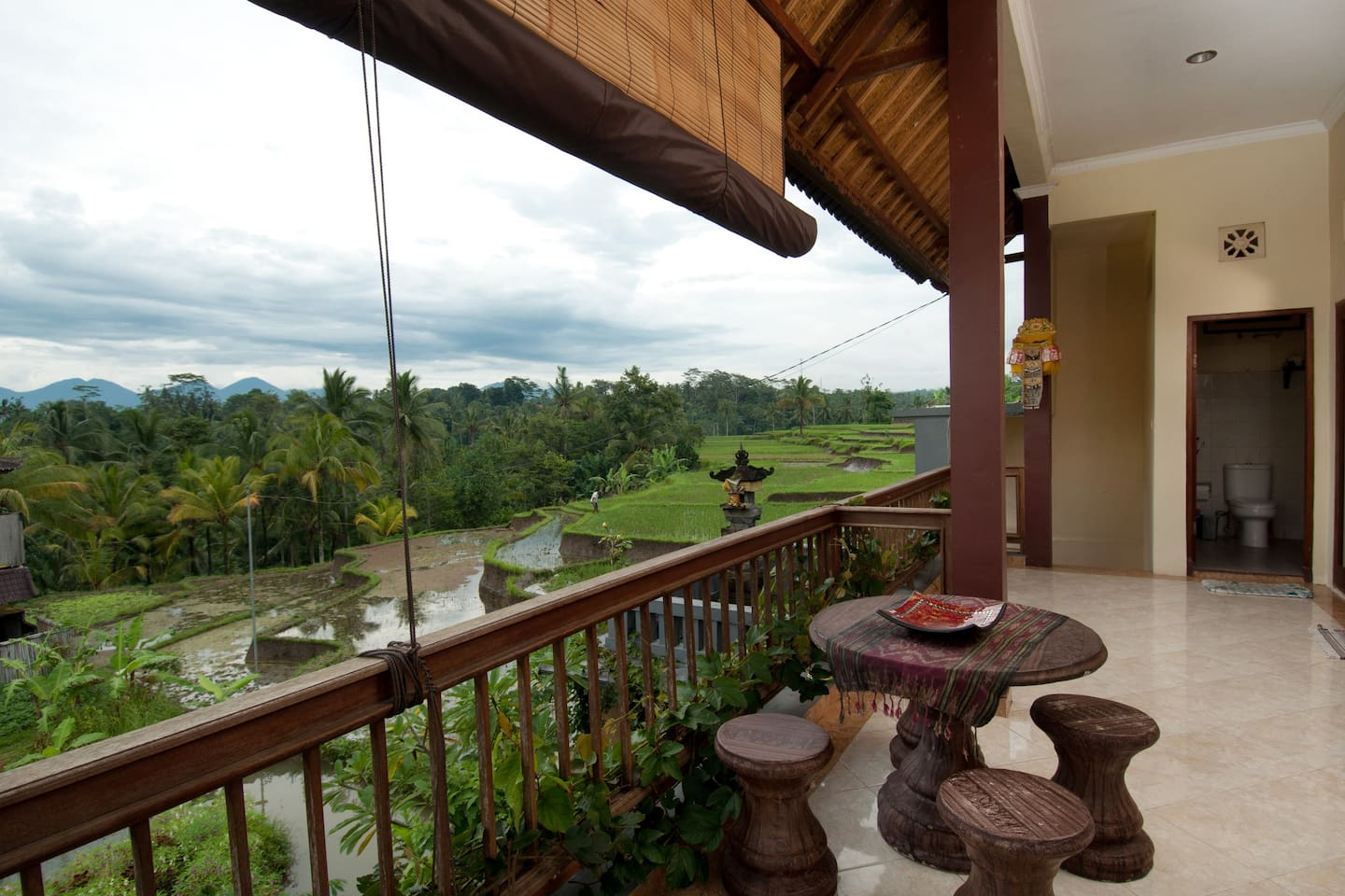 Di Atas suite has a stunning view, two large comfortable rooms, its own kitchen and bathroom.