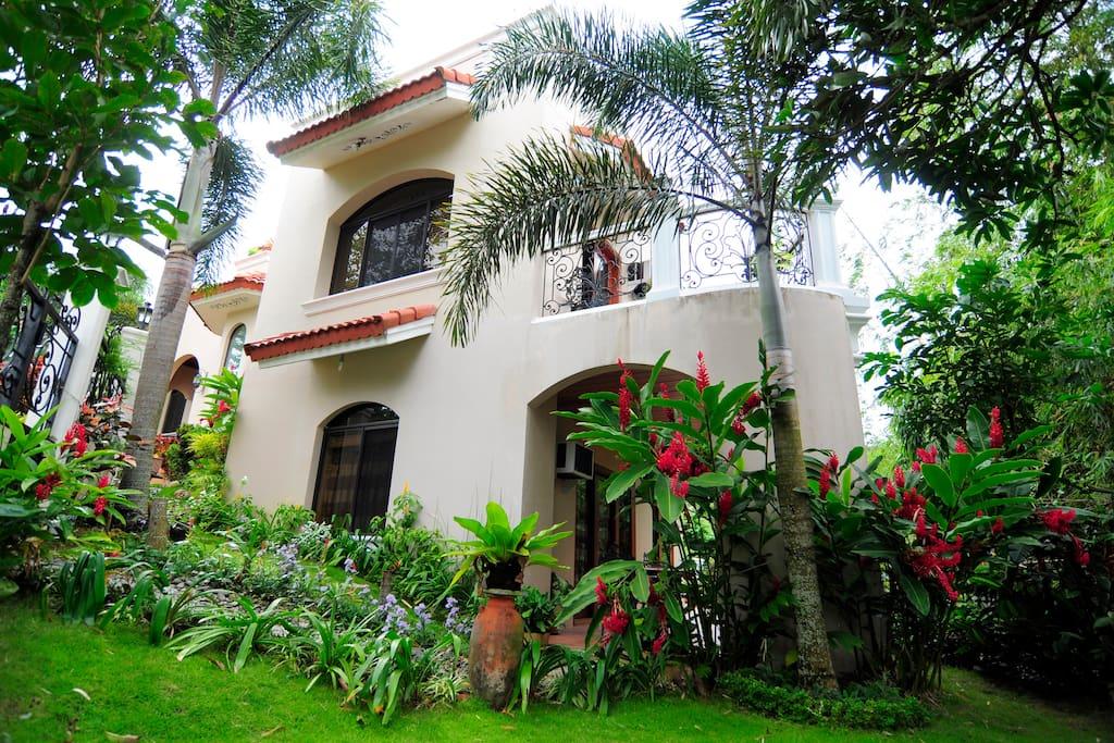 Mediterranean House in Cebu