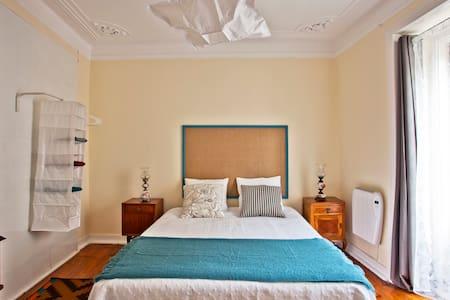 Guesthouse Apartamento Mouraria 1 - Lisboa - Bed & Breakfast