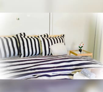 **Sunny+Cute Downtown TOP location! - Apartment