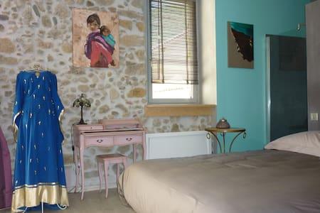 Chambre d'hôtes pleine de charme - Foix - Bed & Breakfast