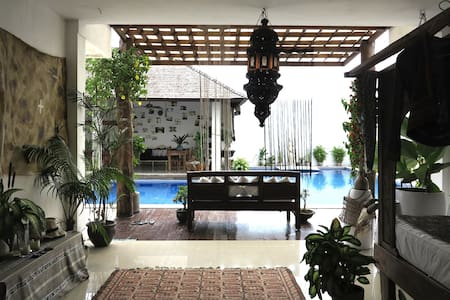 Canggu Luxury Beach Front Villa #2
