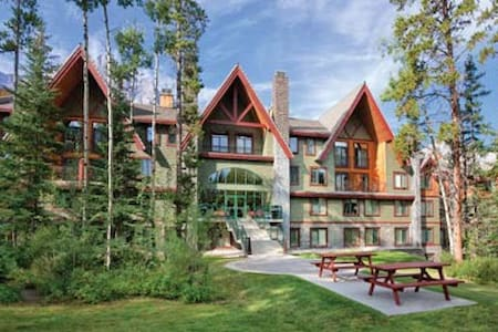 Canmore-Banff Resort Studio Condo 3 - Társasház