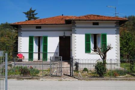 The lands of the Renaissance - Mercatello Sul Metauro - Villa