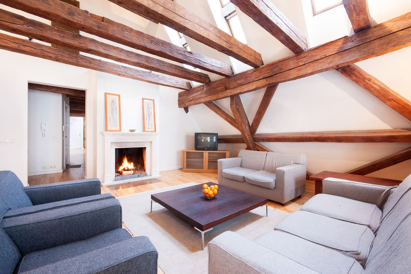 650 Year OldTown Medieval Penthouse