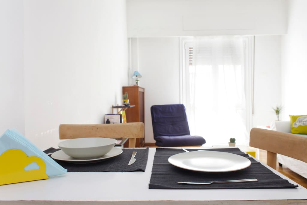 Room 2 in Cosy Apartment@metro-WIFI