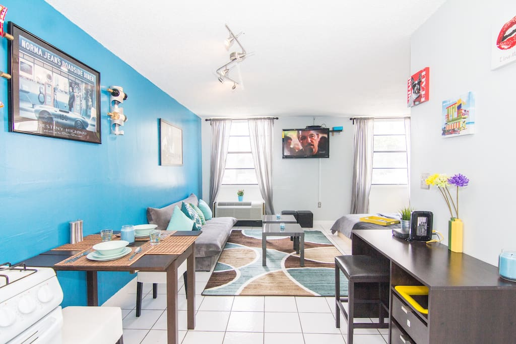 Beachy Chic South Beach Studio Apt