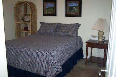 Golfers Getaway #1  sleeps 8 - Condominium