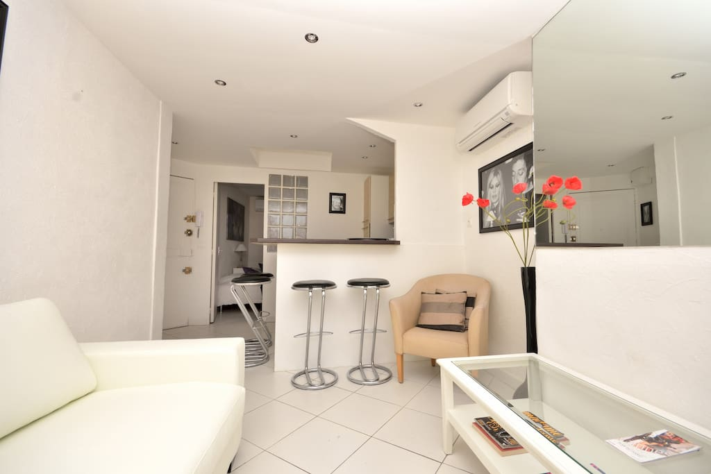 3 MN CROISETTE AND AIR-CONDITIONNED