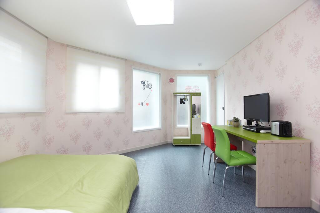 Gangnam, Garosu-gil, Cozy Room 204