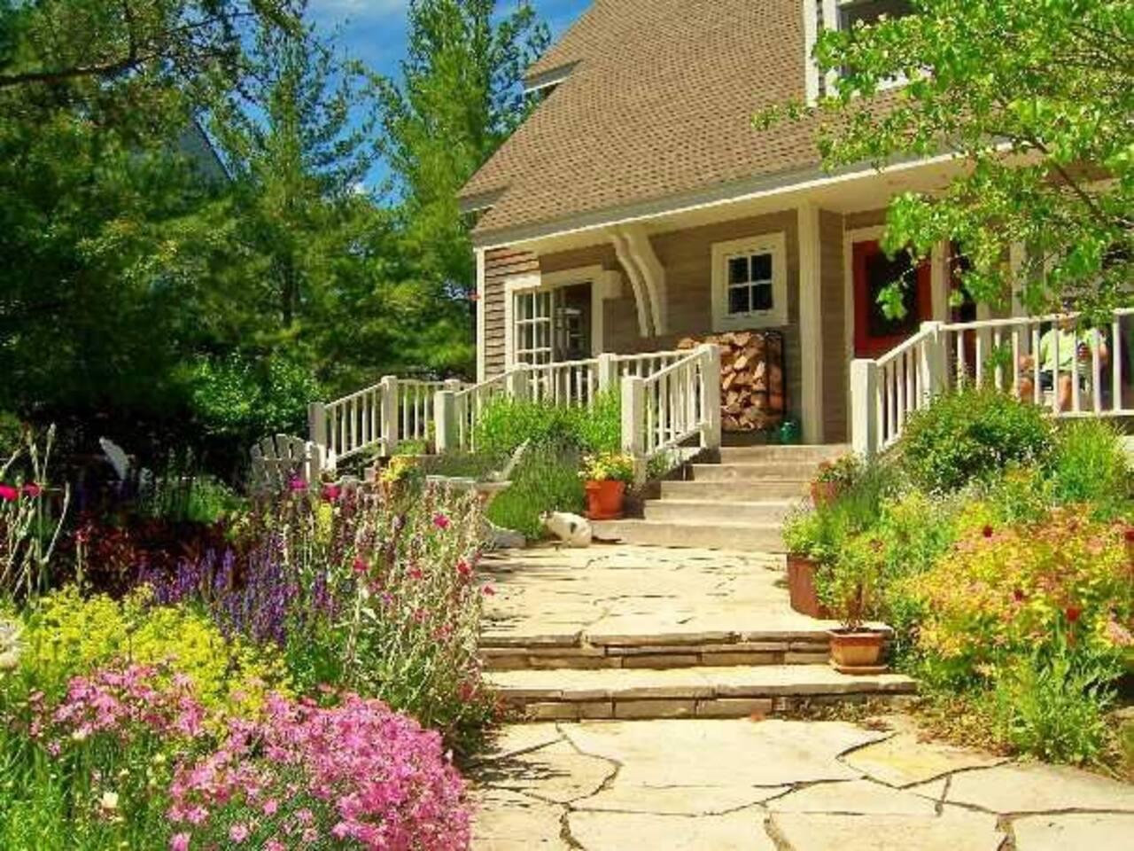 Glen Arbor Beach House with English Garden