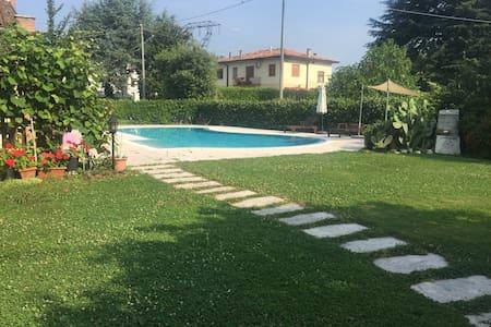 Accogliente casa familiare+piscina - Colfosco