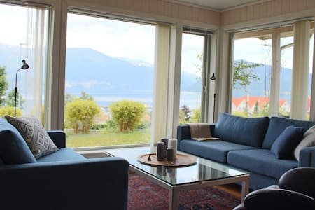 Three bedroom apartment w/ fjord view - Kvinnherad