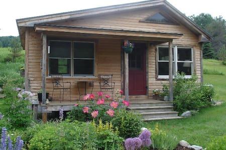 Vermont Guest Cottage - Zomerhuis/Cottage