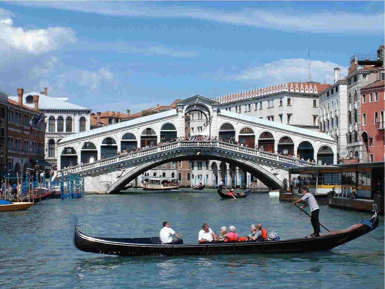 Rialto's Bridge just 2 minutes from house